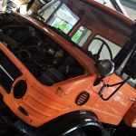 Unimog Oldtimer Restauration Lackierung orange